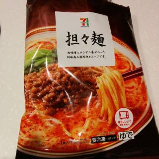 セブンイレブンの担々麺(冷凍)を食べた